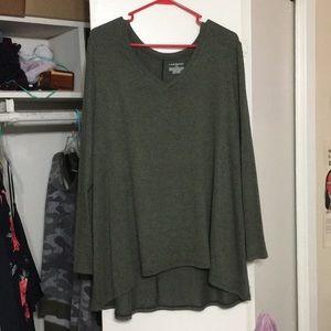Plus size v-neck long sleeve